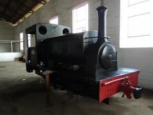 """""""Nellie"""", la locomotora centenaria construida en Leeds en 1915 por Manning Wardle. Foto: Museo Ferroviario Nacional de Sierra Leona."""