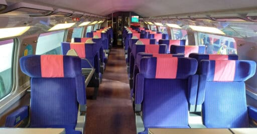 Interior de un coche con asientos XL de un tren de Ouigo, ahora certificado por AENOR contra la Covid-19. MIGUEL BUSTOS